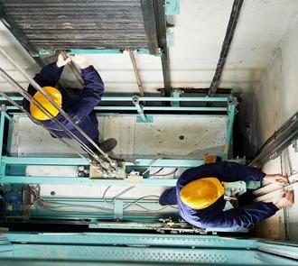 Estudia el curso de instalación de ascensores y fórmate profesionalmente