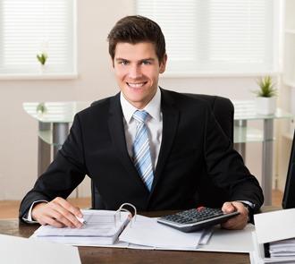 Estudiar el máster en gestión económica y financiera te especializará como profesional de la gestión del transporte por carretera